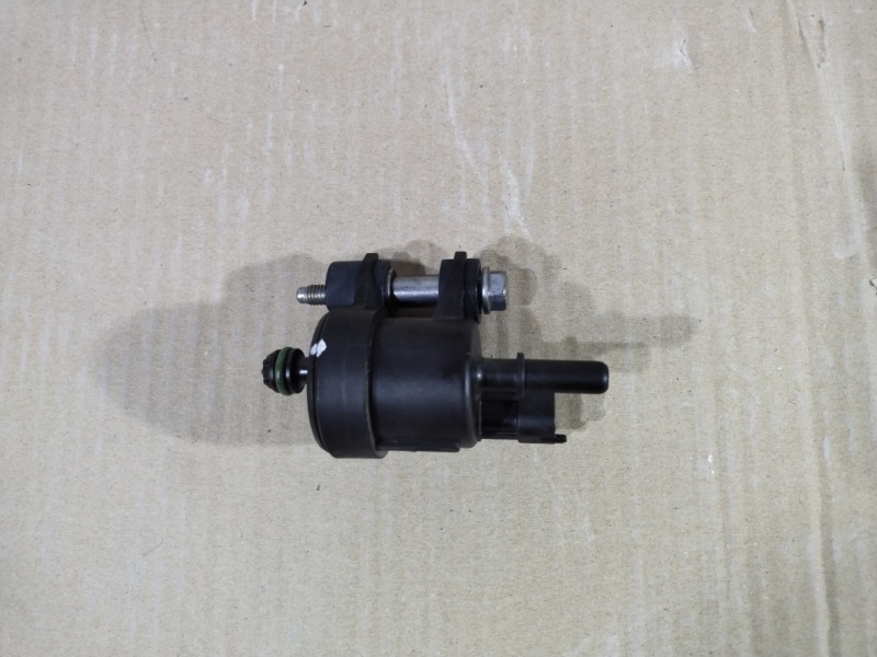 Клапан вентиляции Chevrolet Volt 1.4 2013 (б/у)