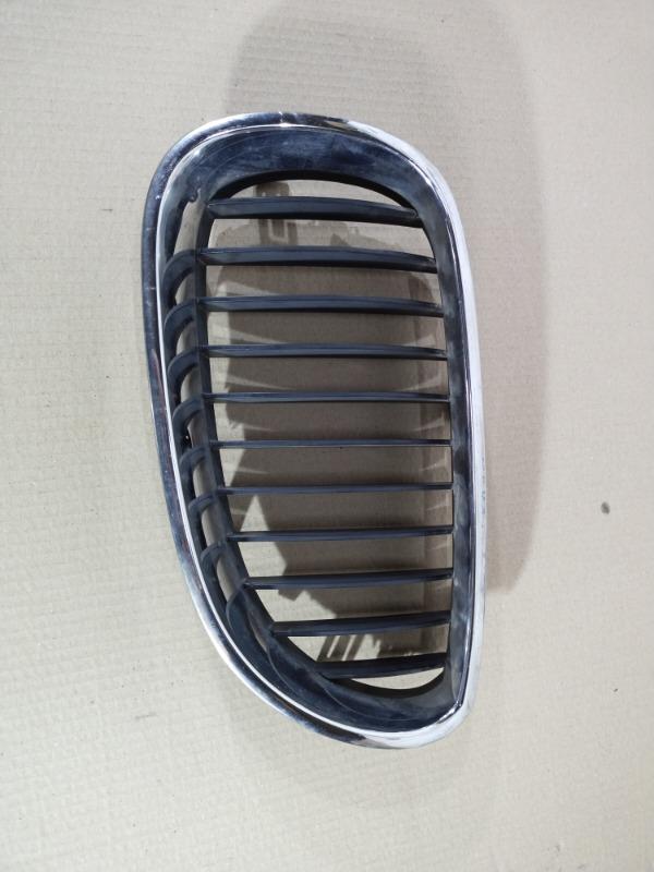 Решетка бампера Bmw 5-Series E60 N52B25 2005 правая (б/у)