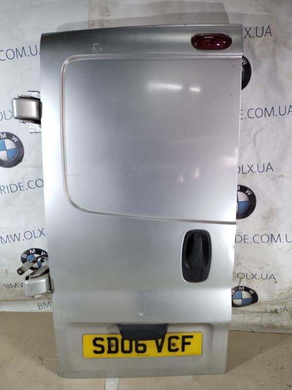 Крышка багажника Opel Vivaro 1.9 D 2007 левая (б/у)