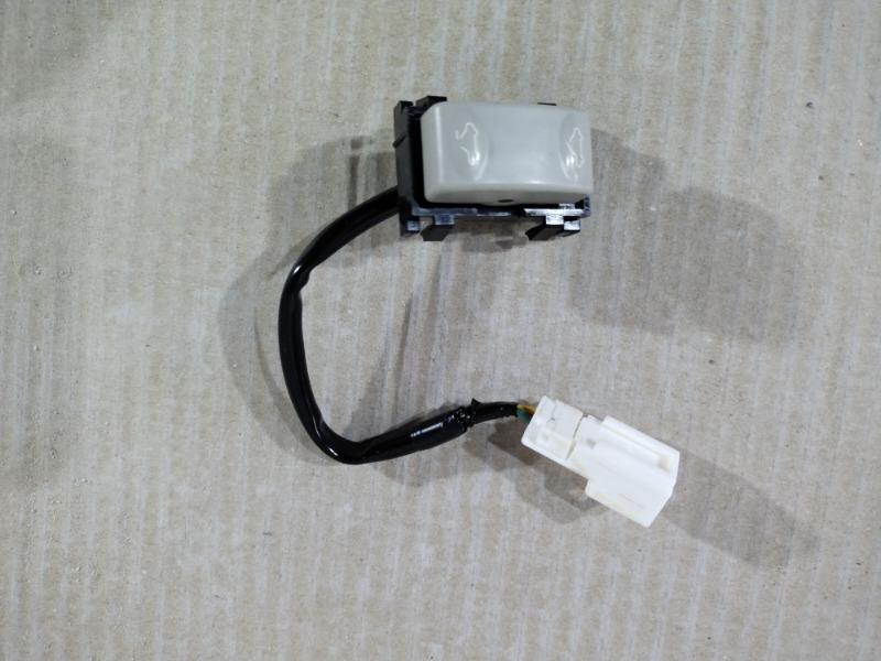 Кнопка сдвижной крышки люка Nissan Juke 1.6 2011 (б/у)