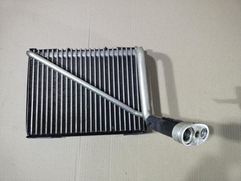 Радиатор кондиционера Volkswagen Passat B5 2.5 AKN 2003 (б/у)