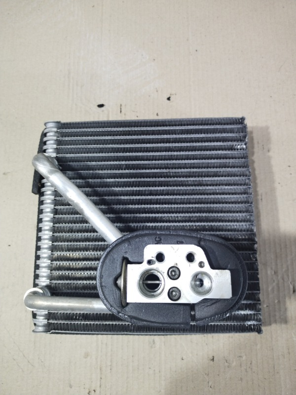 Радиатор кондиционера Volkswagen Passat B6 2.0 BKP 2008 (б/у)