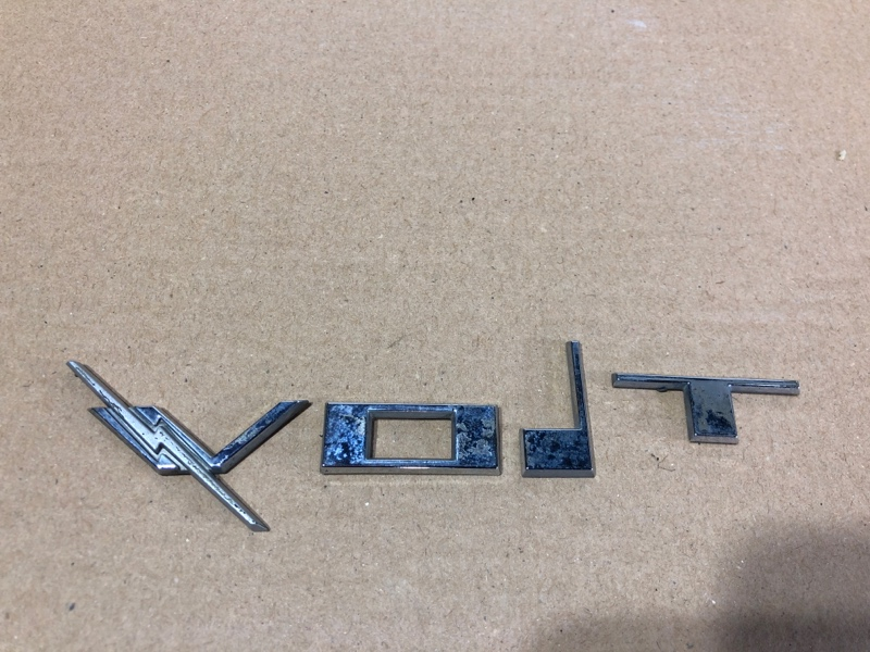 Значок Chevrolet Volt 1.4 2013 (б/у)
