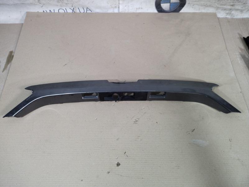 Накладка крышки багажника под ручку Ford Fusion 2.0 HYBRID 2013 (б/у)