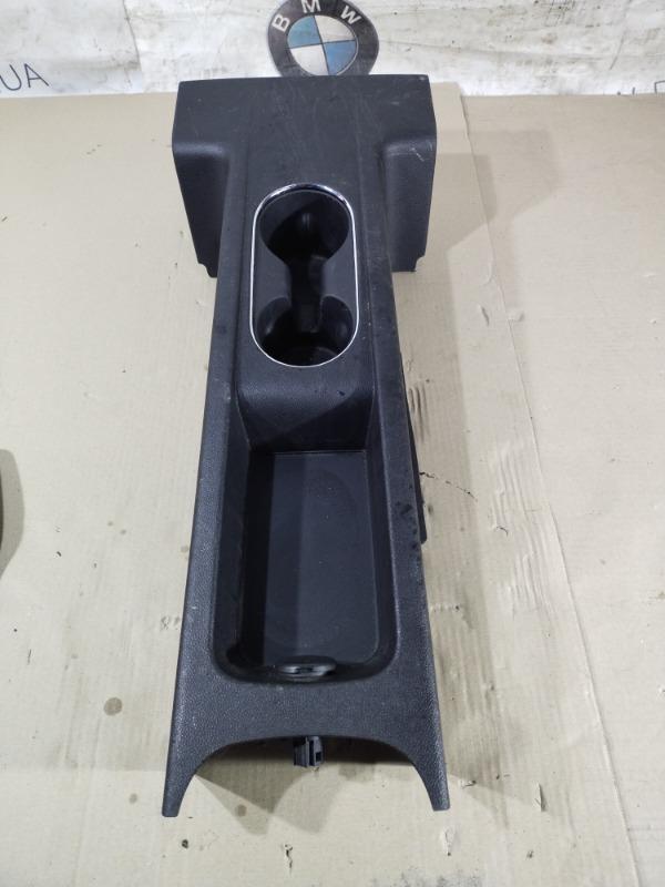 Центральная консоль Chevrolet Volt 1.4 2012 задняя (б/у)