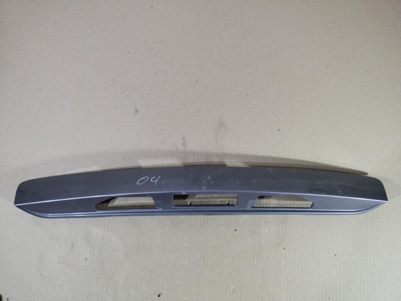 Накладка крышки багажника под ручку Mazda 6 GG 2.0 RF5 2002 (б/у)