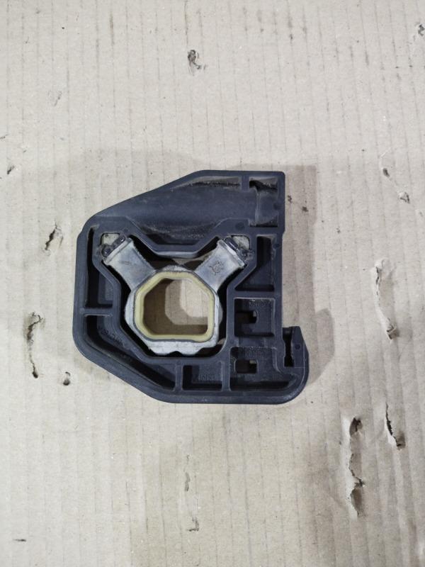 Крепление радиатора Bmw 3-Series F30 N26B20 правое (б/у)