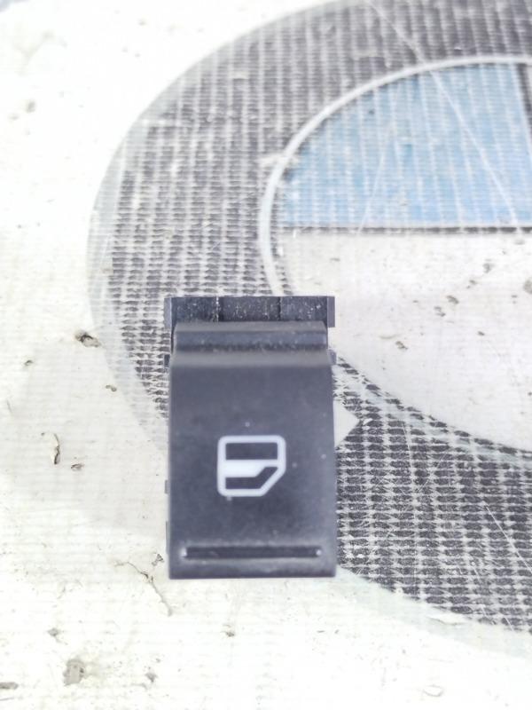 Кнопка стеклоподъемника Volkswagen Jetta 2.0 2011 задняя правая (б/у)