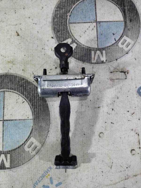 Ограничитель двери Ford Fusion 2.0 HYBRID 2013 передний правый (б/у)