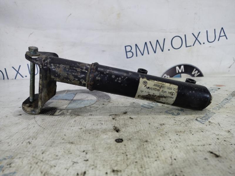 Крепление усилителя бампера Volkswagen Passat B5 2.5 2000 заднее левое (б/у)