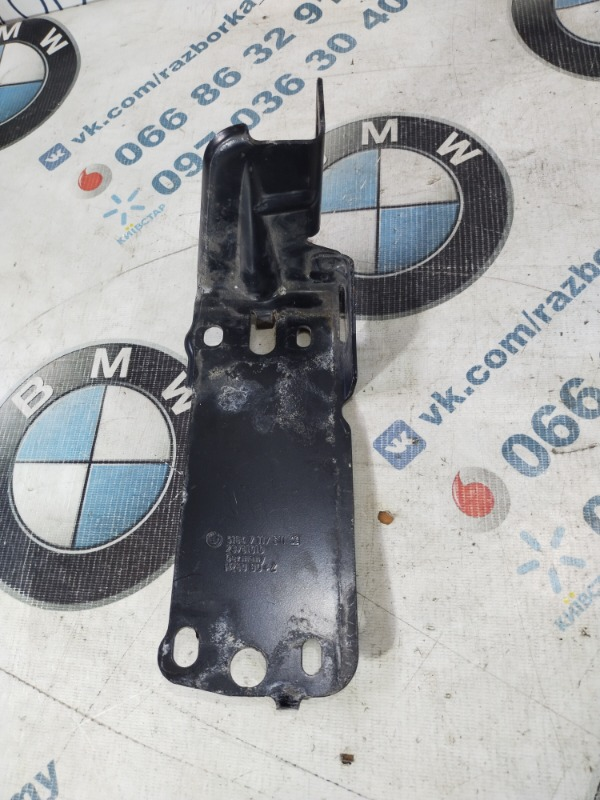 Крепление радиатора Bmw 3-Series E90 N46B20 2006 левое (б/у)