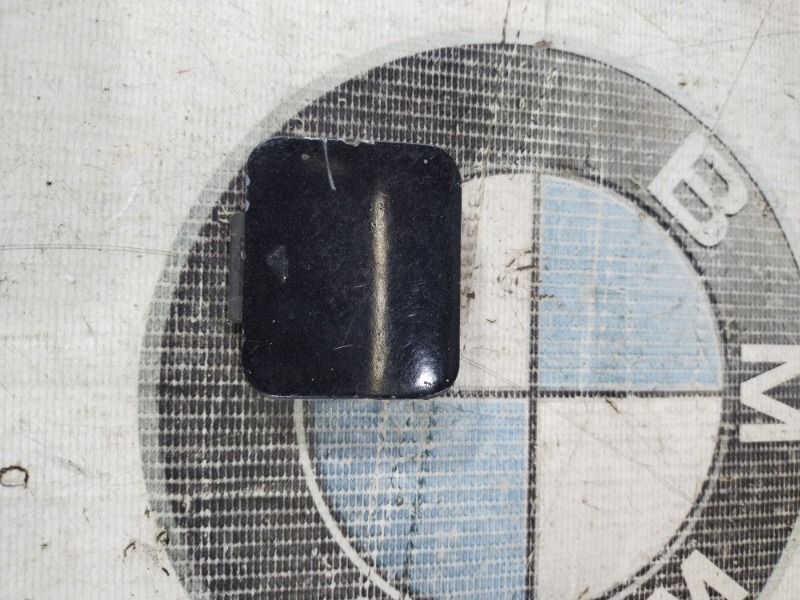 Заглушка бампера Bmw 5-Series E39 M52B20 передняя (б/у)
