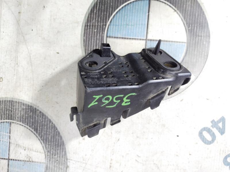 Крепление бампера Subaru Forester SJ 2.5 2014 заднее правое (б/у)