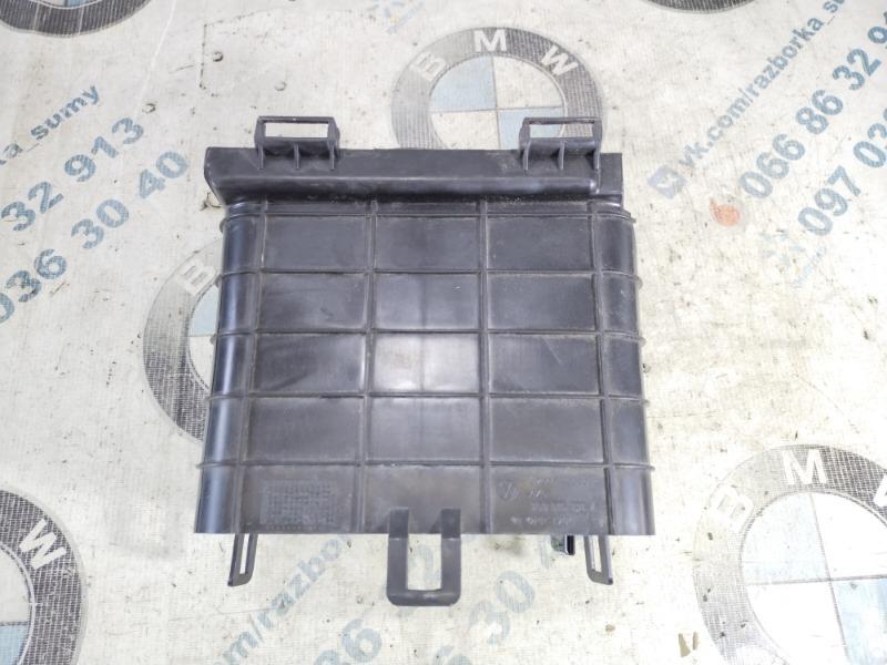 Крышка аккумулятора Volkswagen Passat B8 1.8 2016 (б/у)