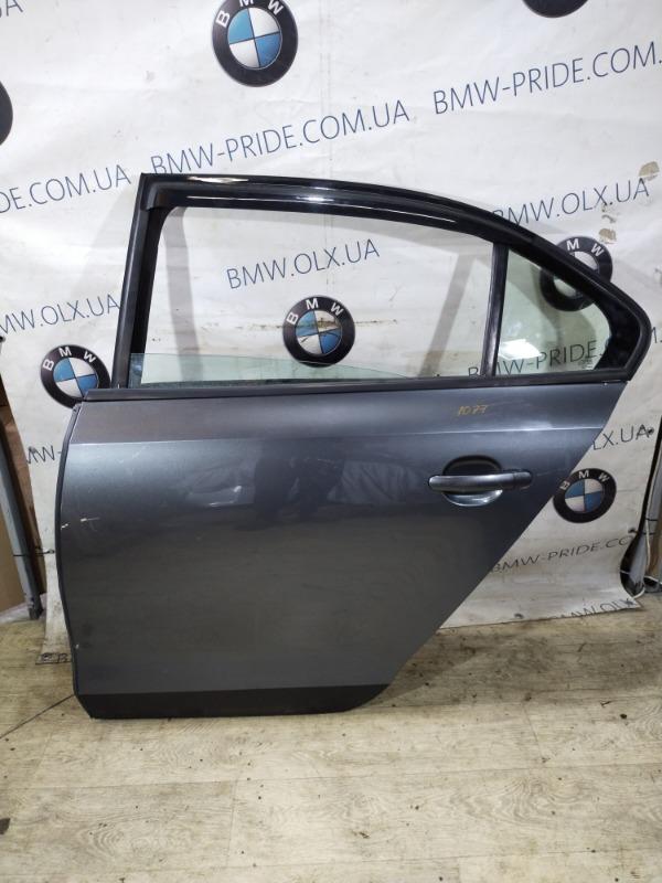 Дверь голая Volkswagen Jetta 2.5 2011 задняя левая (б/у)