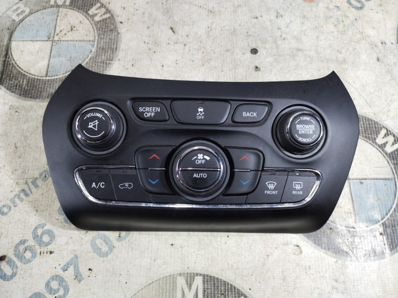 Блок управления климат-контролем Jeep Cherokee KL 2.4 2014 (б/у)