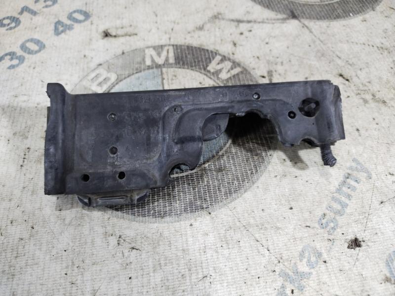 Уплотнитель Bmw 5-Series F10 N63B44 2011 (б/у)