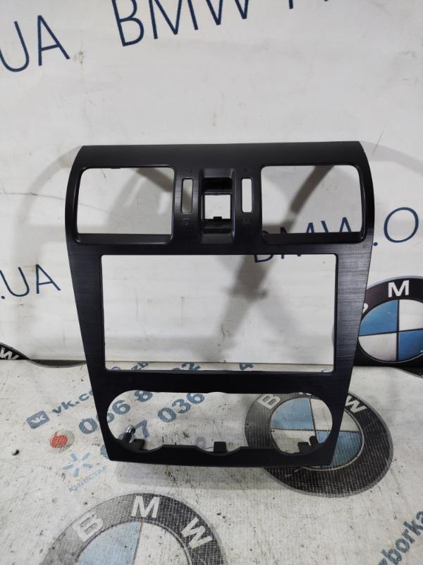 Рамка магнитофона Subaru Forester SJ 2.5 2015 (б/у)