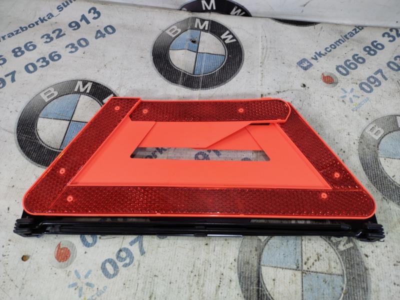 Знак аварийной остановки Audi A4 B6 2.0 ALT 2003 (б/у)