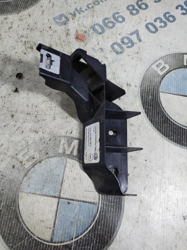 Крепление консоли Volkswagen Jetta 2.5 2011 правое (б/у)