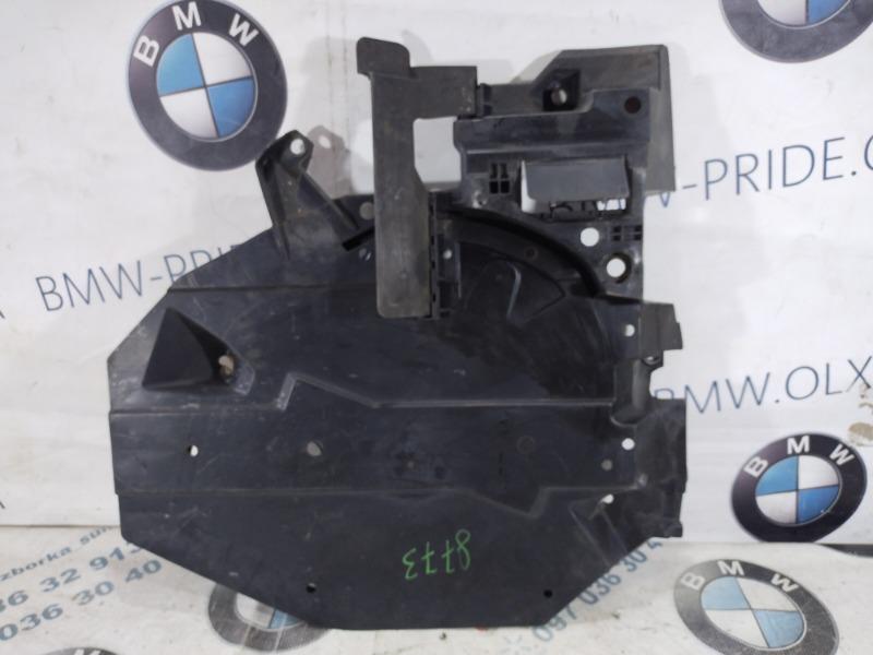 Защита топливного бака Subaru Forester SJ 2.5 2015 задняя правая (б/у)
