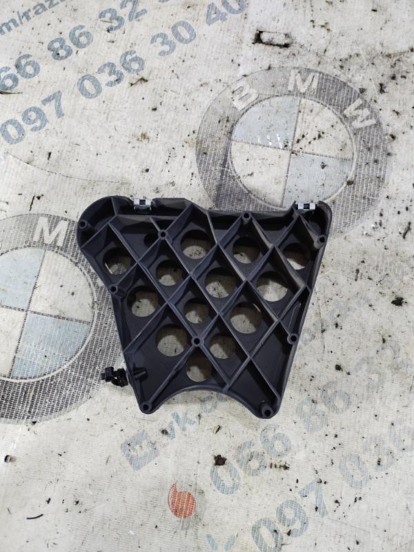 Крепление прочее Volkswagen Jetta 2.5 2011 (б/у)