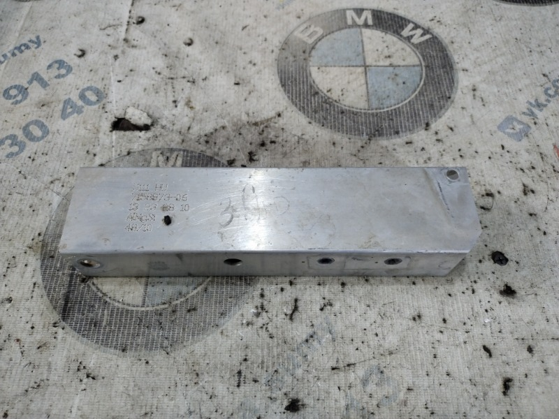 Кронштейн бампера Bmw 5-Series F10 N63B44 2011 передний левый (б/у)