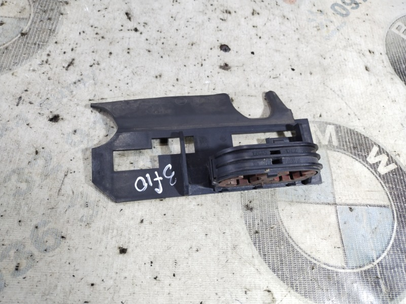 Крепление прочее Bmw 5-Series F10 N63B44 2011 (б/у)