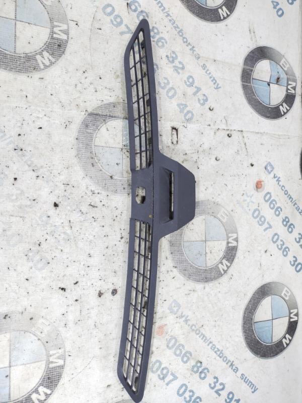 Решетка под лобовое стекло Ford Fusion 2.5 2014 (б/у)
