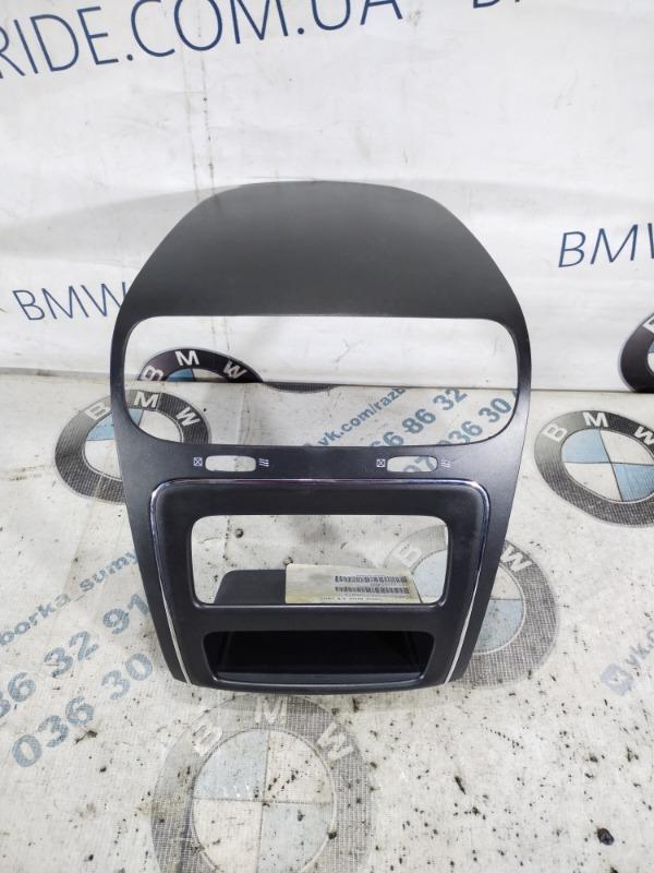 Рамка магнитофона Dodge Journey SXT 3.6 2014 (б/у)