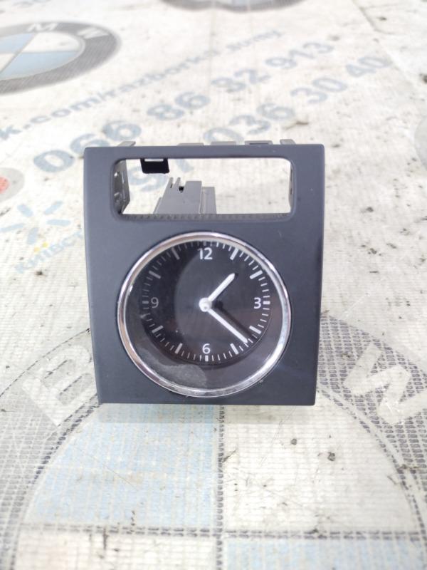 Часы Volkswagen Passat B8 1.8 2016 (б/у)
