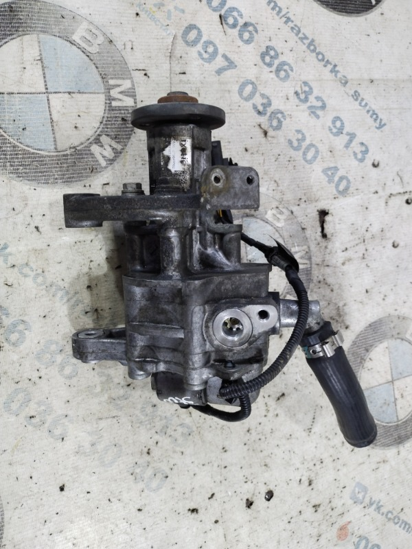 Насос гур Bmw 5-Series F10 N63B44 2011 (б/у)