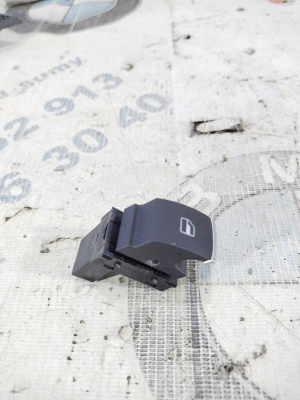 Кнопка стеклоподъемника Volkswagen Passat B8 1.8 2016 передняя правая (б/у)