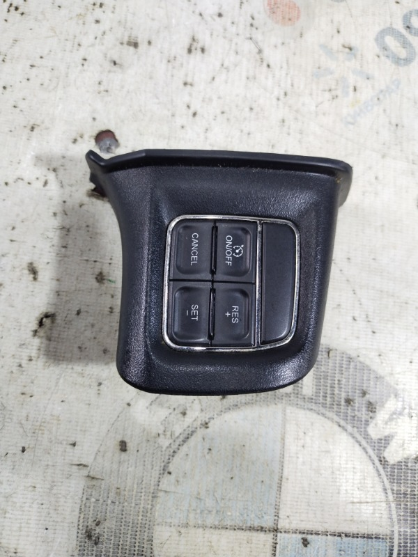 Кнопки руля Dodge Journey SXT 3.6 2014 (б/у)