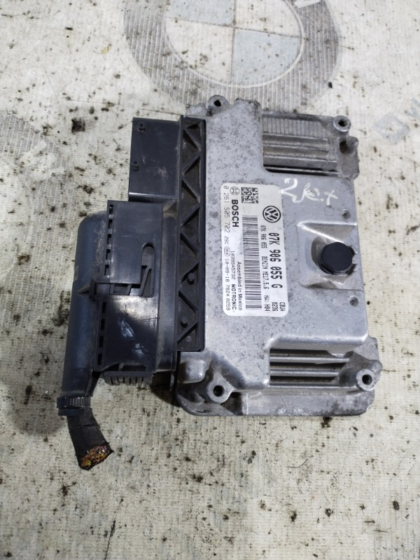 Блок управления эбу Volkswagen Jetta 2.5 2011 (б/у)