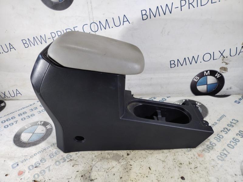 Подлокотник Subaru Forester SJ 2.5 2014 (б/у)