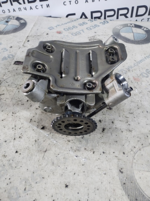 Маслонасос Bmw 5-Series F10 N63B44 2011 (б/у)