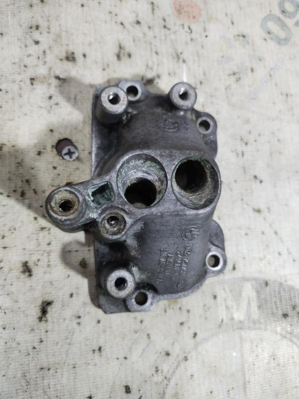 Крышка Bmw 5-Series F10 N63B44 2011 (б/у)