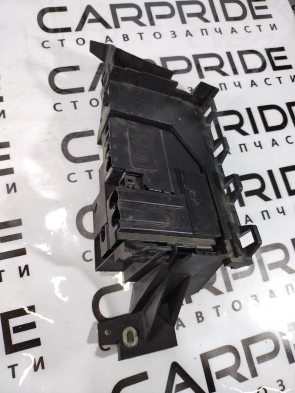 Кронштейн блока предохранителей Ford Fusion (б/у)