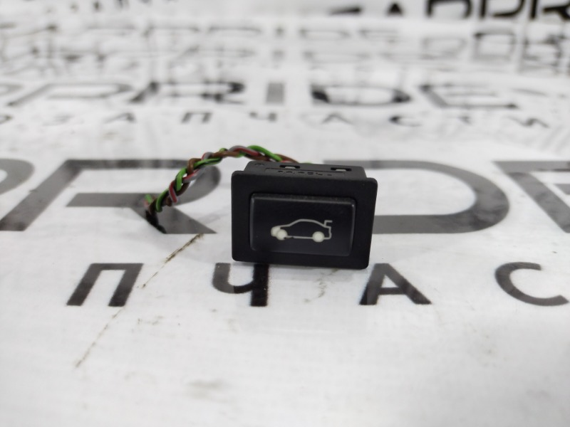 Кнопка открывания багажника Bmw 3-Series F30 N20B20 2013 (б/у)
