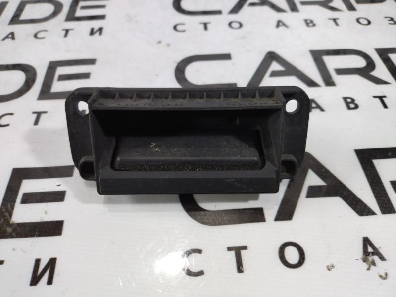 Кнопка открывания багажника Mercedes C-Class W204 (б/у)
