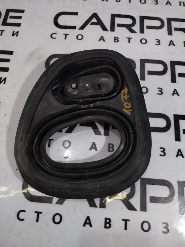 Уплотнитель Volkswagen Jetta 2.5 2011 (б/у)
