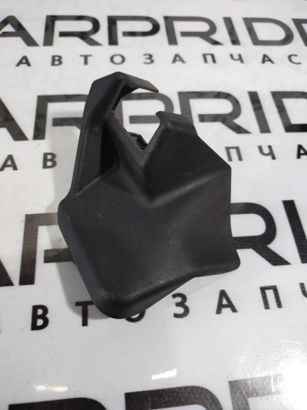 Заглушка сидения Subaru Impreza передняя правая (б/у)