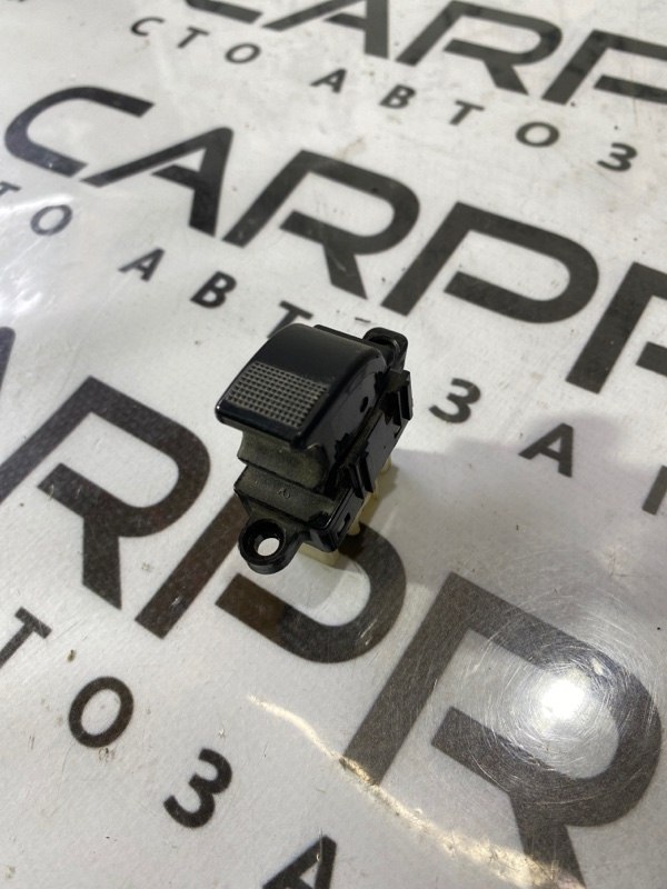 Кнопка стеклоподъемника Mazda 6 GG 2.0 RF5 2004 задняя (б/у)