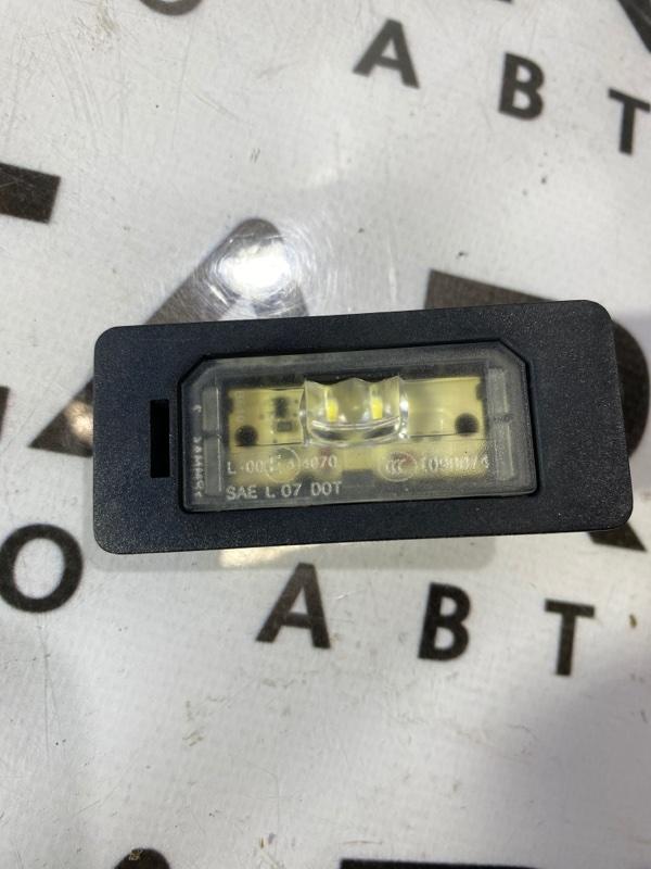 Плафон подсветки номера Bmw 5-Series F10 N63B44 2011 (б/у)