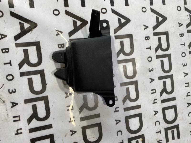 Накладка замка крышки багажника Dodge Dart 2.4 2014 (б/у)