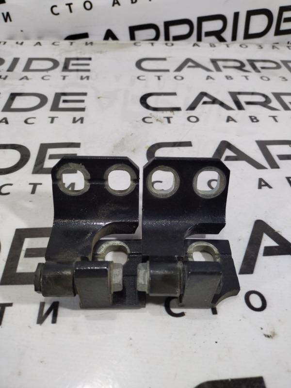 Петля двери Dodge Dart 2.4 2014 задняя левая (б/у)