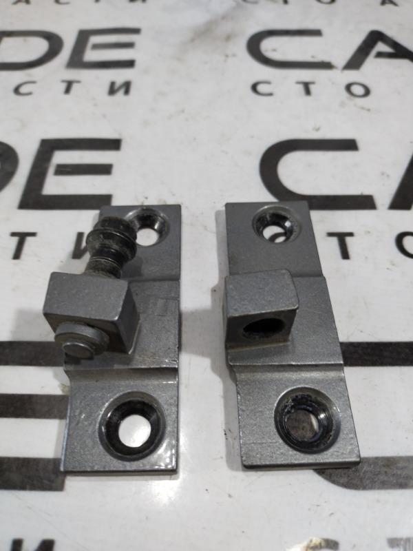 Петля двери Bmw 5-Series E60 N52B25 2005 задняя левая (б/у)
