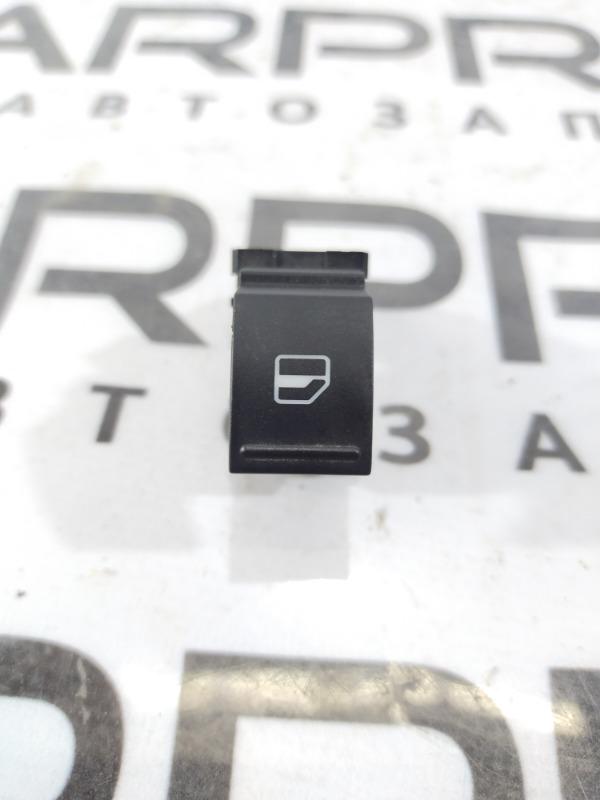 Кнопка стеклоподъемника Volkswagen Jetta 2.5 2011 задняя правая (б/у)