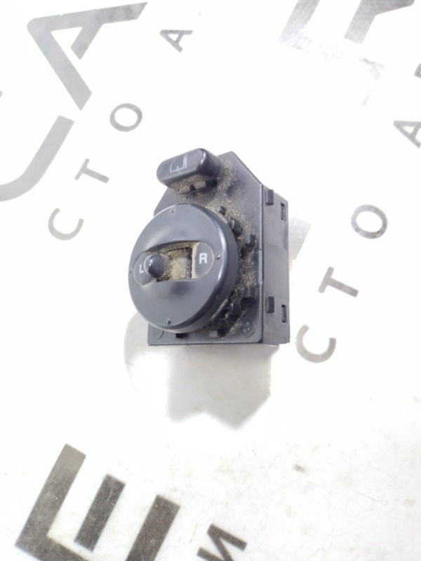 Кнопка регулировки зеркала Kia Sorento BL 2.5 CRDI 2005 (б/у)